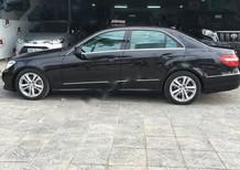 Cần bán xe Mercedes sản xuất năm 2010, màu đen