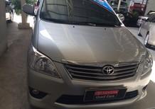 Cần bán Toyota Innova 2.0v 2012, màu bạc