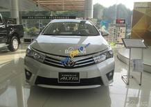 Cần bán Toyota Corolla Altis 1.8 MT 2017, màu trắng, hỗ trợ vay lên đến 85%, có xe giao ngay