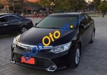Bán xe cũ Toyota Camry đời 2016, màu đen như mới