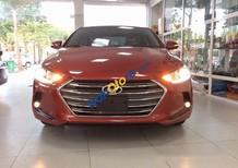 Cần bán xe Hyundai Elantra đời 2017, màu đỏ, giá 675tr