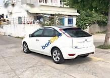 Bán Ford Focus đời 2011, màu trắng xe gia đình, giá tốt