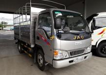 Bán xe tải JAC HFC1030K4 2t4 thùng bạt trả trước 40tr nhận xe ngay