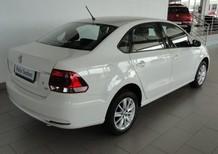 Cần bán Volkswagen Polo đời 2015, màu trắng, nhập khẩu, giá chỉ 658 triệu