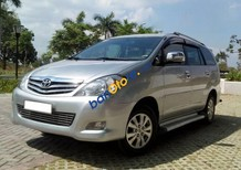 Cần bán gấp Toyota Innova sản xuất năm 2010, màu bạc