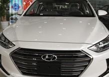 Cần bán Hyundai Elantra sản xuất 2017, màu trắng ngọc trinh giá tốt nhất