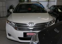 Cần bán lại xe Toyota Venza đời 2009, màu trắng, nhập khẩu