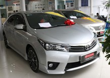 Cần bán lại xe Toyota Corolla altis đời 2015, màu bạc