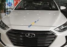 Bán Hyundai Elantra sản xuất 2017, màu trắng, cam kết giá tốt nhất