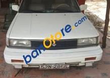 Cần bán lại xe Nissan Bluebird đời 1989, màu trắng giá cạnh tranh