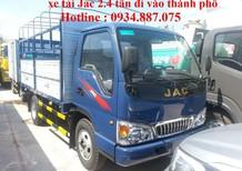 Bán xe tải JAC 2.4 tấn đi vào thành phố ban ngày