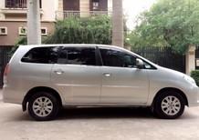 Cần bán gấp Toyota Innova 2.0G Xịn nguyên bản đời 2010, màu bạc, giá 415tr