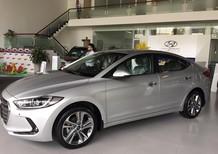 Cần bán xe Hyundai Elantra 2018, màu bạc, xe nhập, giá rẻ chỉ 549tr. Liên hệ TV. PKD: 0905.976.950