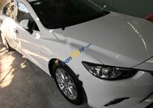 Cần bán gấp Mazda 6 2.0 đời 2016, màu trắng