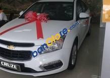 Bán xe Chevrolet Cruze LT đời 2016, màu trắng giá cạnh tranh