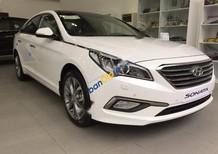 Cần bán Hyundai Sonata 2.0AT đời 2017, màu trắng, nhập khẩu