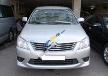 Cần bán lại xe Toyota Innova E đời 2012, màu bạc số sàn