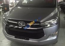 Bán xe Toyota Innova 2.0G AT đời 2017, màu bạc, giá tốt
