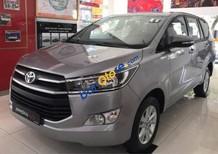 Bán Toyota Innova năm 2017, màu xám, 819 triệu