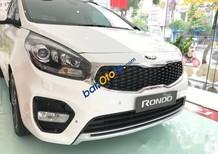Cần bán xe Kia Rondo GAT đời 2017, màu trắng, giá chỉ 633 triệu