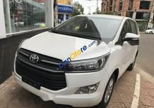 Bán xe Toyota Innova đời 2017, màu trắng, giá tốt