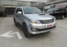 Cần bán xe Toyota Fortuner G đời 2015, màu bạc số sàn