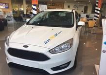 Ford Focus 2017, hỗ trợ vay 80%, lãi suất 0.6% - LH: 090909.9106