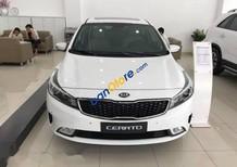 Cần bán xe Kia Cerato 2017, giá tốt, hỗ trợ trả góp 90%