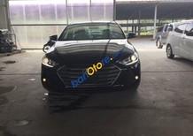 Bán xe Hyundai Elantra 2.0 AT đời 2017, màu đen