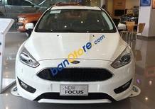 Bán ô tô Ford Focus đời 2017, màu trắng, giá tốt