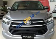 Cần bán xe Toyota Innova đời 2017, giá tốt, xe đẹp