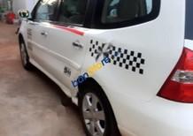 Cần bán lại xe Nissan Grand Livina đời 2012, màu trắng số sàn