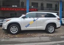 Showroom Ô tô Hưng Phát cần bán xe Toyota Highlander LE đời 2016, màu trắng, nhập khẩu nguyên chiếc
