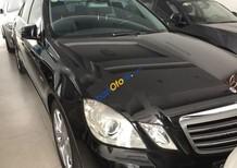 Cần bán Mercedes E250 đời 2010, màu đen như mới