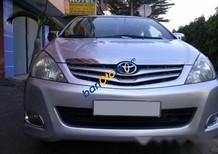 Bán ô tô Toyota Innova đời 2009, màu bạc số sàn