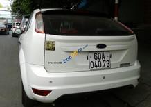 Bán Ford Focus sản xuất 2012, màu trắng, giá chỉ 479 triệu