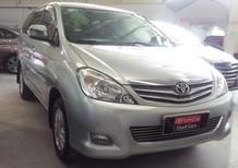 Bán xe Toyota Innova V số tự động 2011, màu bạc