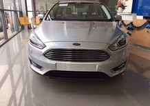 Cần bán xe Ford Focus Trend đời 2017, màu trắng