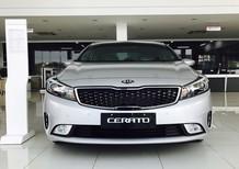 Cần bán Kia Cerato 2017, màu bạc, 300 triệu giao xe ngay