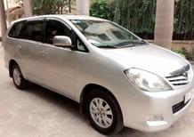 Gia đình cần bán xe Toyota Innova 2.0G xịn bản đủ đời 2010, màu bạc, chính chủ HN giá 415tr