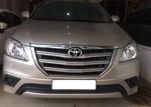 Cần bán Toyota Innova 2.0E, sản xuất 2015