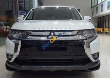 Mitsubishi Outlander 2017 hoàn toàn mới, màu trắng, nhập khẩu nguyên chiếc, khuyến mại lớn lên tới 25 triệu