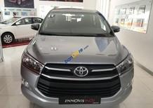 Cần bán Toyota Innova 2.0E MT đời 2018, màu xám, trả trước 180 triệu giao xe, trả góp lãi suất 0.49%