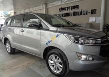 Cần bán xe Toyota Innova 2.0E MT đời 2017, màu xám