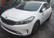 Cần bán xe Kia Cerato đời 2018, màu trắng.Lh: 0966199109