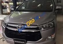 Bán Toyota Innova 2.0E 2017, xe mới, màu bạc