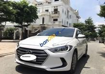 Cần bán xe Hyundai Elantra 1.6 AT đời 2016, màu trắng