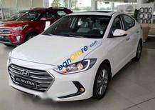 Bán Hyundai Elantra năm 2017, màu trắng, 585 triệu