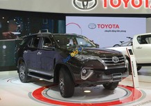 Bán Toyota Fortuner V 4x4AT đời 2017, màu đen, nhập khẩu