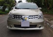 Bán xe Nissan Grand livina đời 2011, màu vàng cát, số tự động, xe nhà đi kỹ